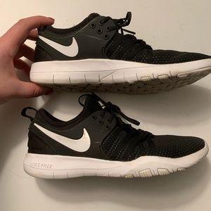 Nike cross training tennis shoes/sneakers size 8
